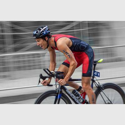Cyclist, triathlon, professional pain face, panshot Michael Lori